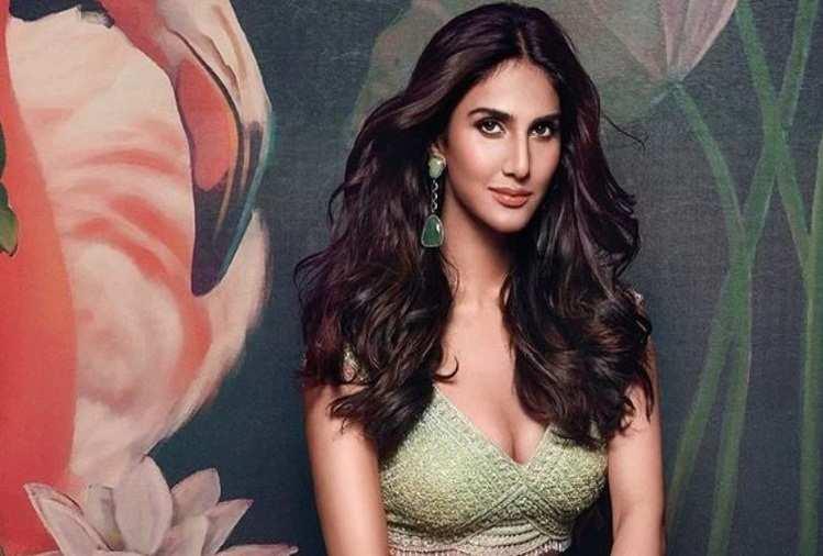 Net Worth: बॉलीवुड की खूबसूरत अभिनेत्री वाणी कपूर के पास है इतने करोड़ रुपए की संपत्ति, दिल्ली में है आलीशान घर
