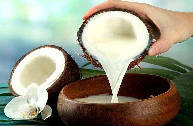 नारियल का दूध
